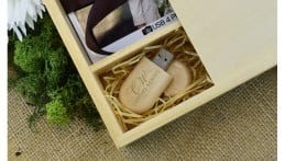 Wooden Pebble USB Drive - Light Wood 1