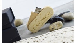 Wooden Twister USB Drive - Light Wood 2