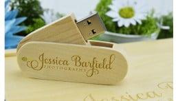 Wooden Twister USB Drive - Light Wood